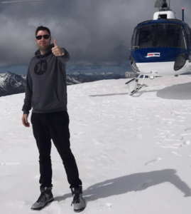 Franklin does it differently. Other dropshipping gurus pose with cars. Franklin Hatchett does it with a helicopter!