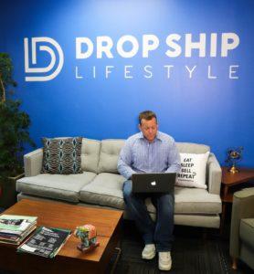Drop Ship Lifestyle sells the laptop lifestyle dream