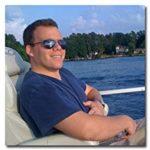 Thanks to Drop Ship Lifestyle, Anton Kraly can enjoy the laptop lifestyle on the beach